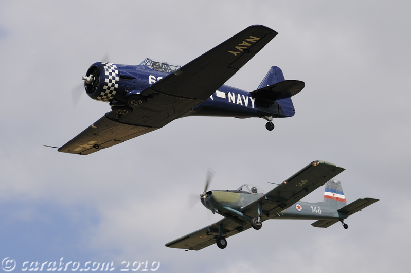 Harvard and Soko P-2 Kraguj in formation