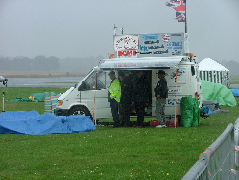 Colin Hammond kept the commentary going even though the weather got worse!